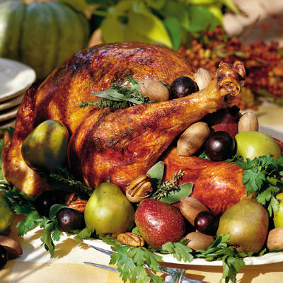 Thanksgiving menus and recipes southern living for Traditional southern thanksgiving dinner menu