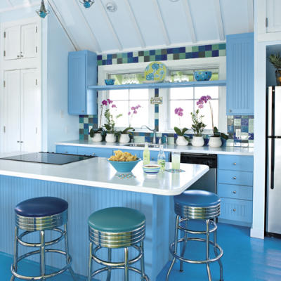 1000 images about blue kitchen cabinets on pinterest for Blue kitchen paint ideas