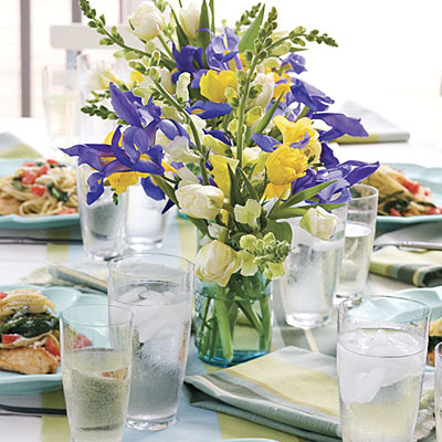 roses in a glass vase make a classic statement for your party decor