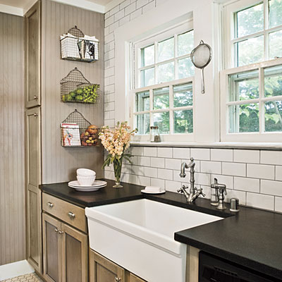 Cottage kitchen cottage style ideas and inspiration for Southern style kitchen ideas