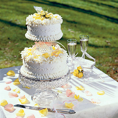 tiered poppy seed wedding cake how to make your own wedding cake southern living. Black Bedroom Furniture Sets. Home Design Ideas