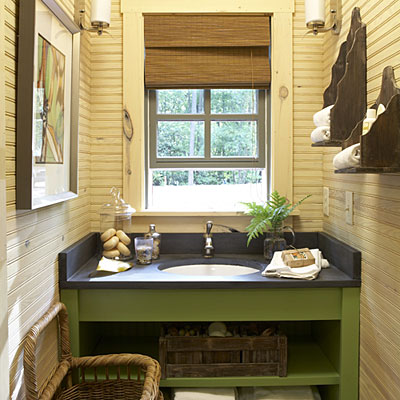 Guest bathroom decorating ideas get creative with storage for Southern bathroom ideas