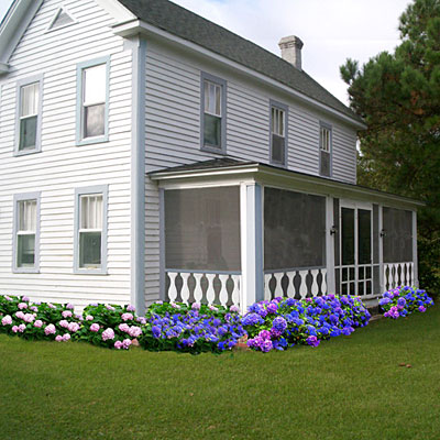 Landscape Design Around Farmhouse Front Porch Home Design