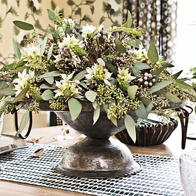 simple centerpieces christmas table decorations southern living