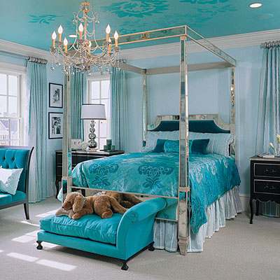 Aqua master bedroom master bedroom decorating ideas for Aquamarine bedroom ideas