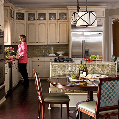 Traditional kitchen traditional kitchen design ideas for Southern style kitchen ideas