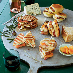 Grilled Cheese Bar and Wine Pairings - Southern Living