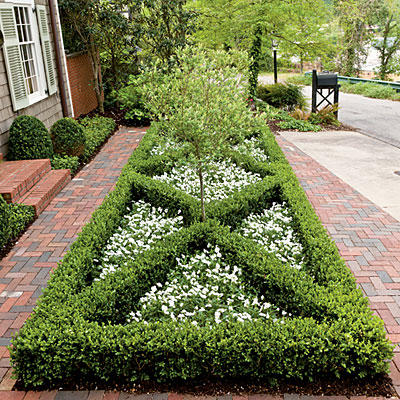 Skipped the lawn re create colonial williamsburg style for Formally designed lawn