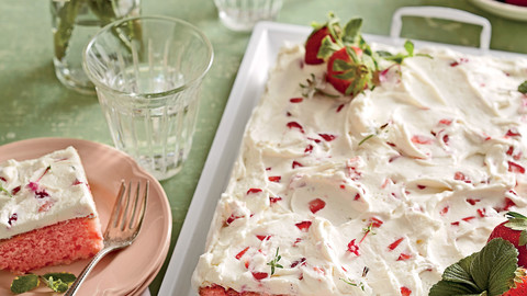 The Best Strawberries-and-Cream Sheet Cake