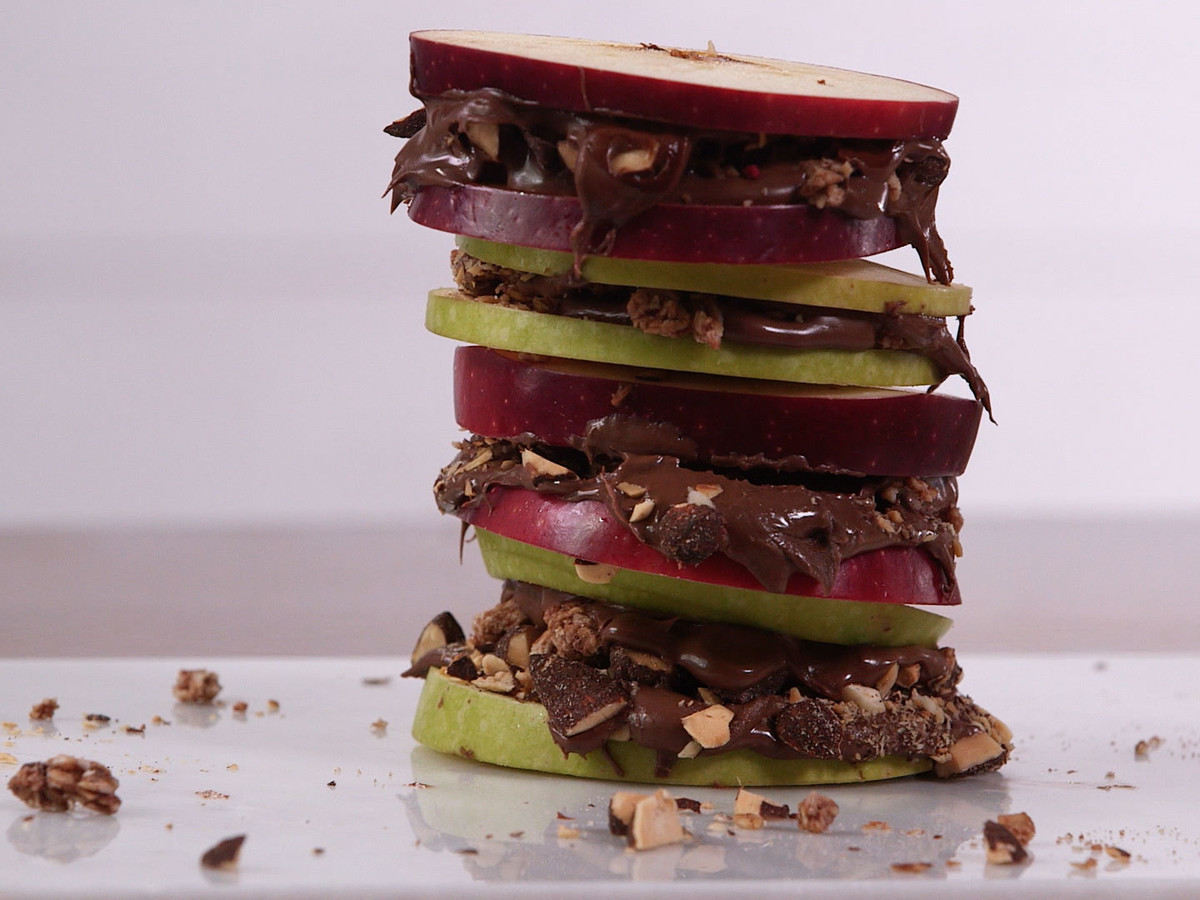 Chocolate Hazelnut Apple Sandwiches
