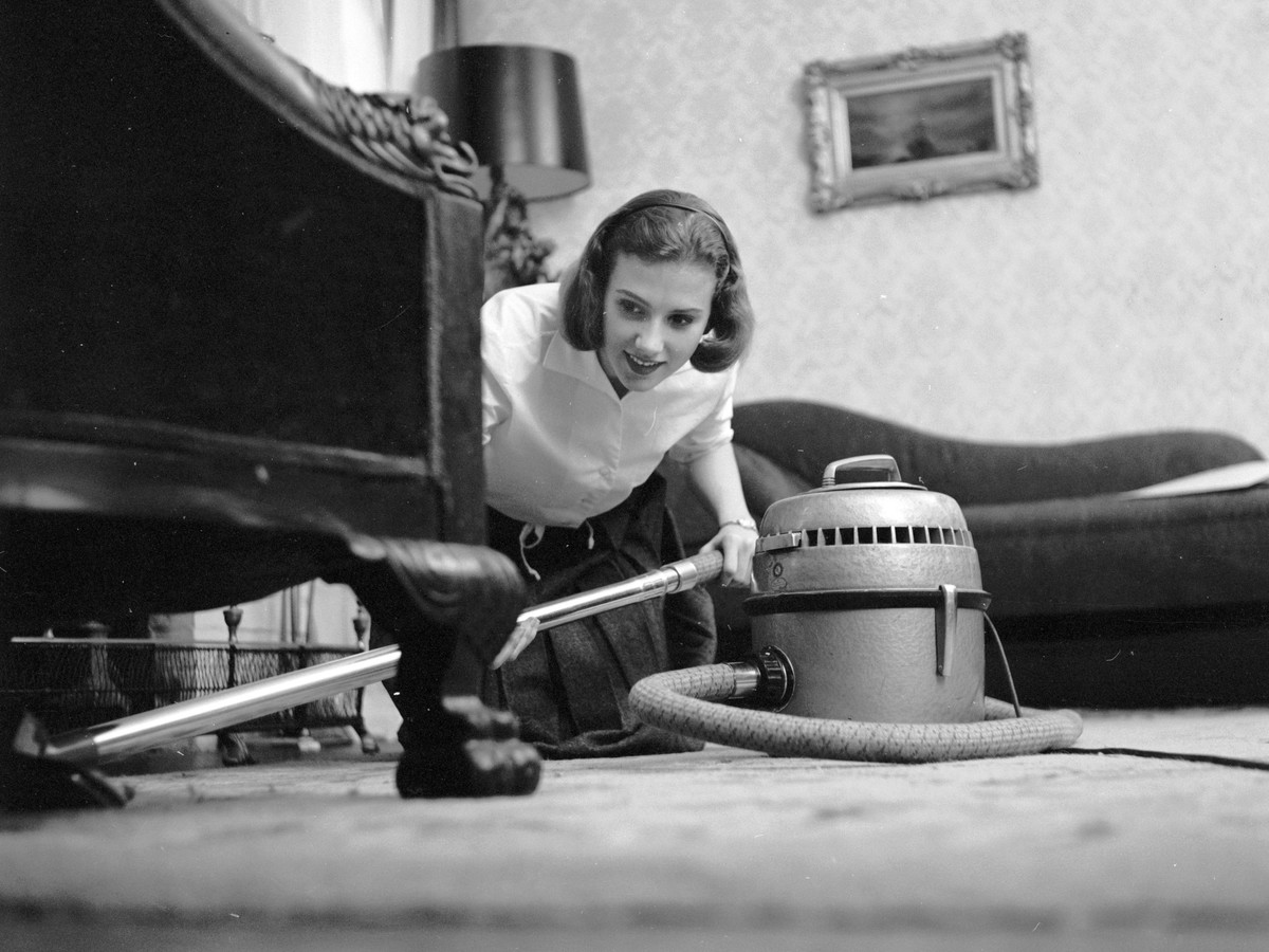 RX_1703 Woman Vacuuming.jpg