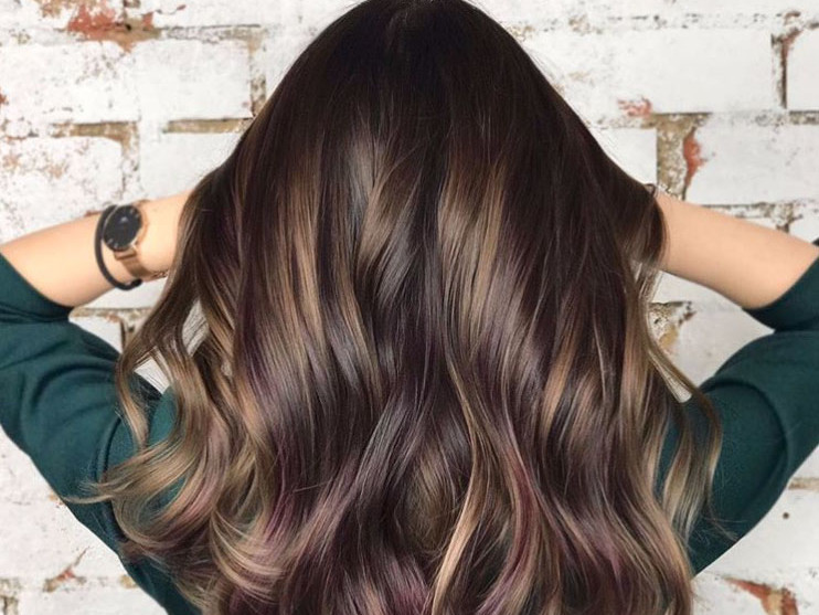 Shadow Root Hair Is The Highlighting Trend Thatll Get You Through