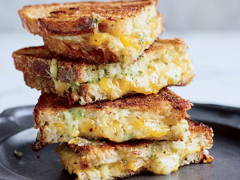 Chile Grilled Cheese Sandwiches
