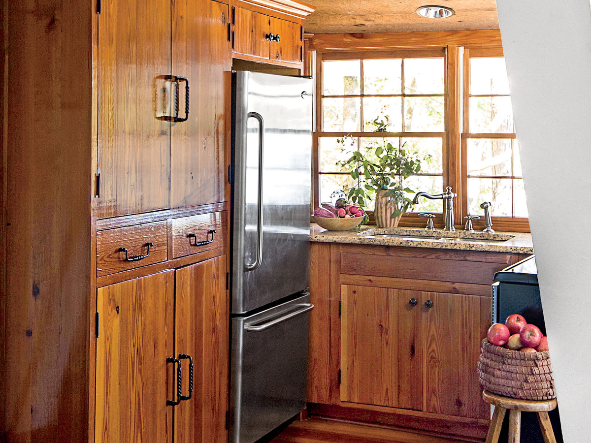 Why The Placement Of Your Cabinetry Knobs And Pulls Matters