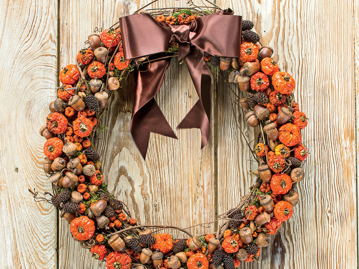"WATCH: Make A Fall Wreath With ""Pumpkins"" And Acorns"
