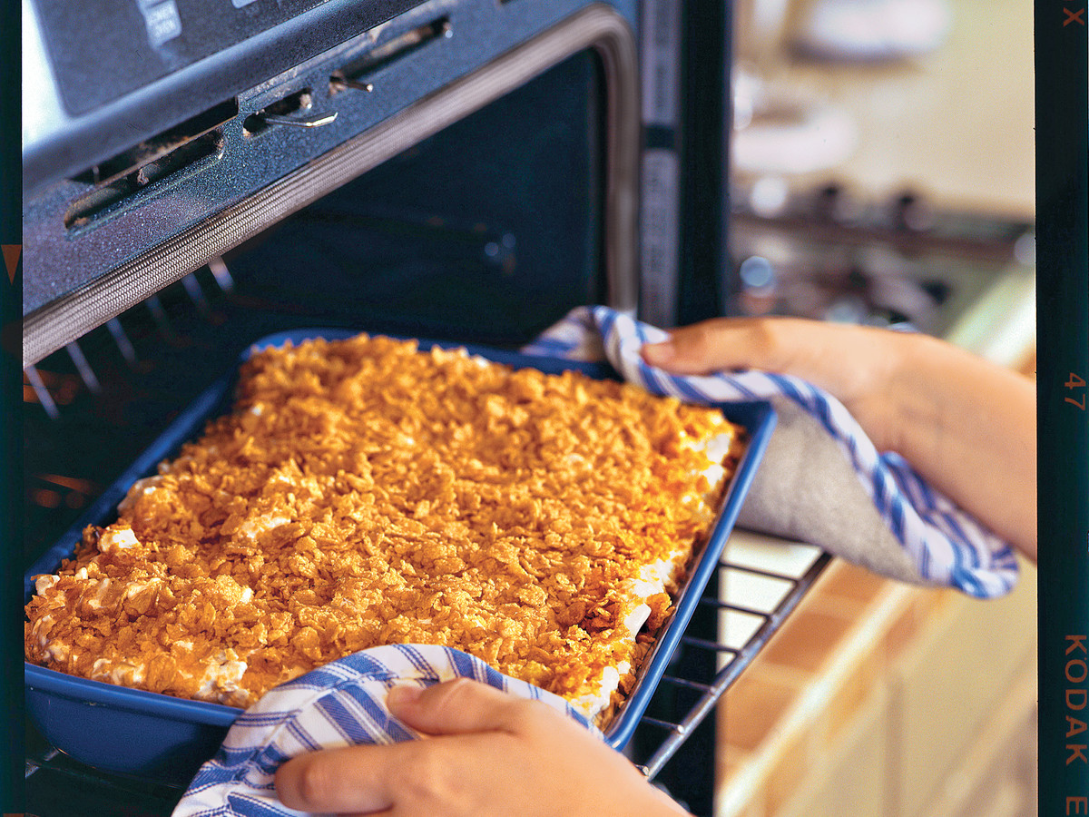 Thanksgiving Dinner Side Dishes: Au Gratin Potato Casserole Recipe