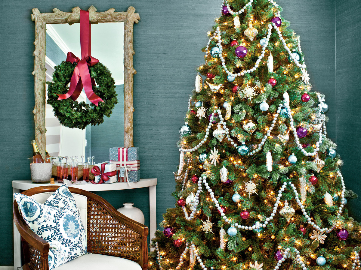 Vintage Christmas Decorations.Decorating With Vintage Christmas Ornaments Southern Living