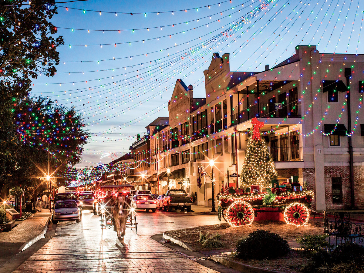 Natchitoches Christmas Festival.Why You Need To See The Natchitoches Christmas Lights This