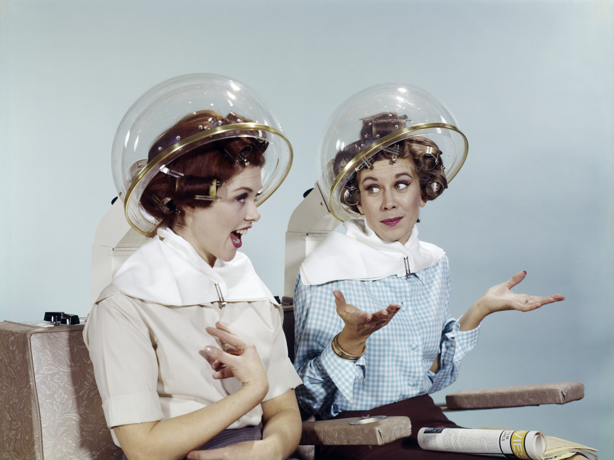 Ladies In Salon Vintage