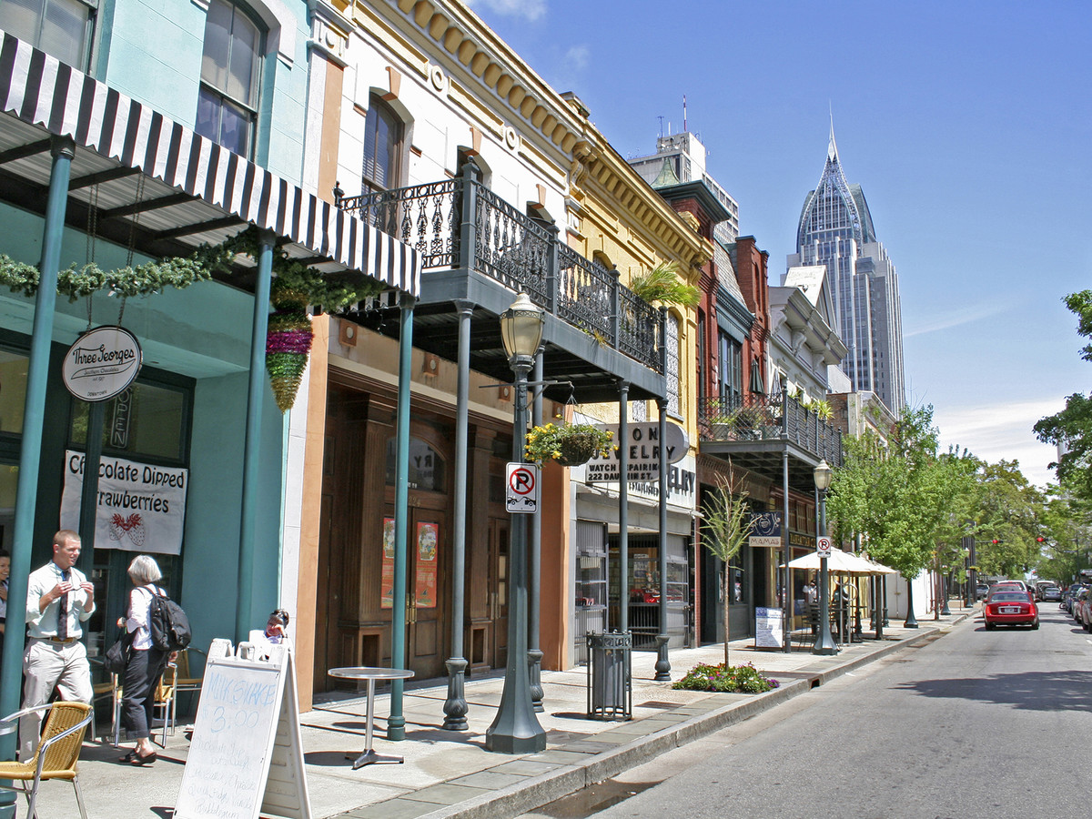 8 Things to Do in Mobile Alabama - Southern Living