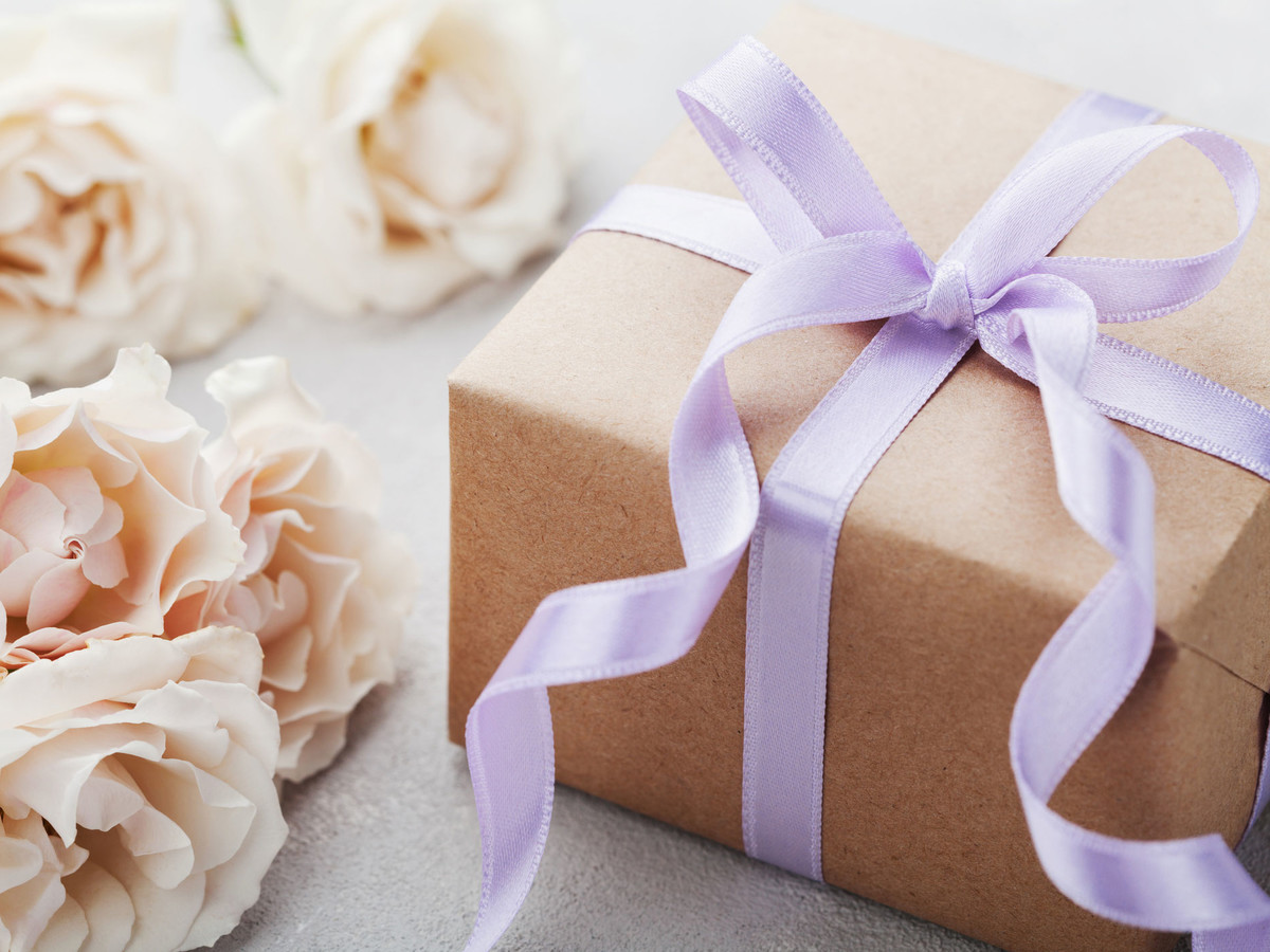 e086a6c84fa47 Wedding Gift Etiquette: How Long Do You Have to Send a Wedding Gift ...