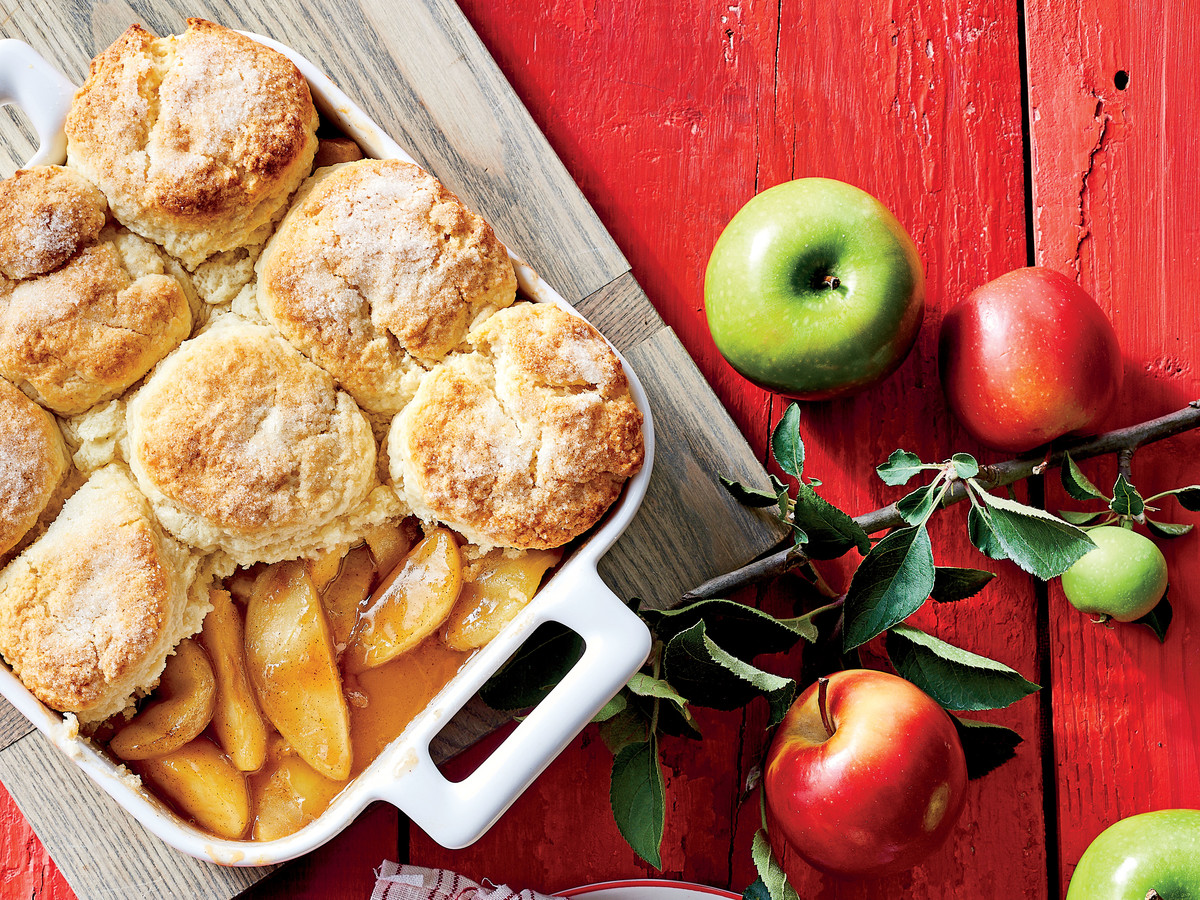 Here's How To Make the Best-Ever Apple Cobbler