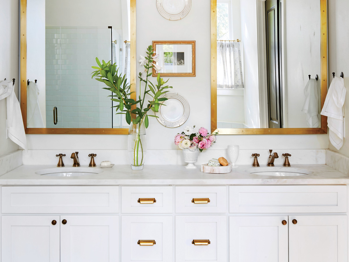 For An Organized Bathroom, Remove These 6 Things - Southern Living