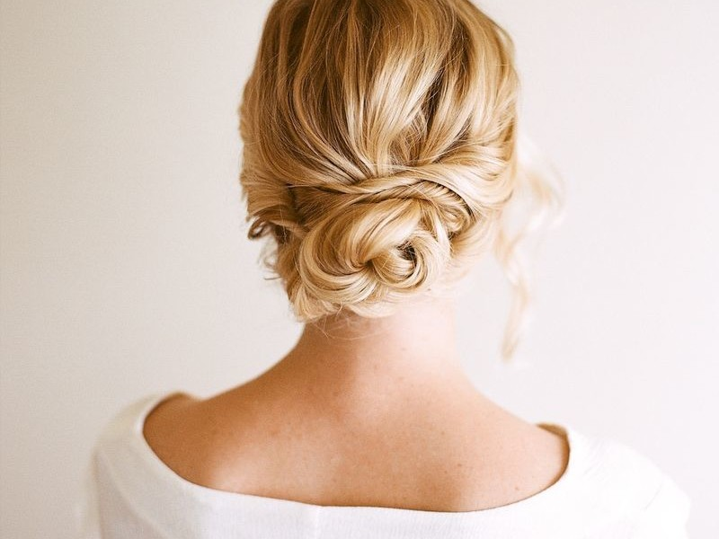 ThIs Is One of the Most Popular Hairstyles For Southern Brides