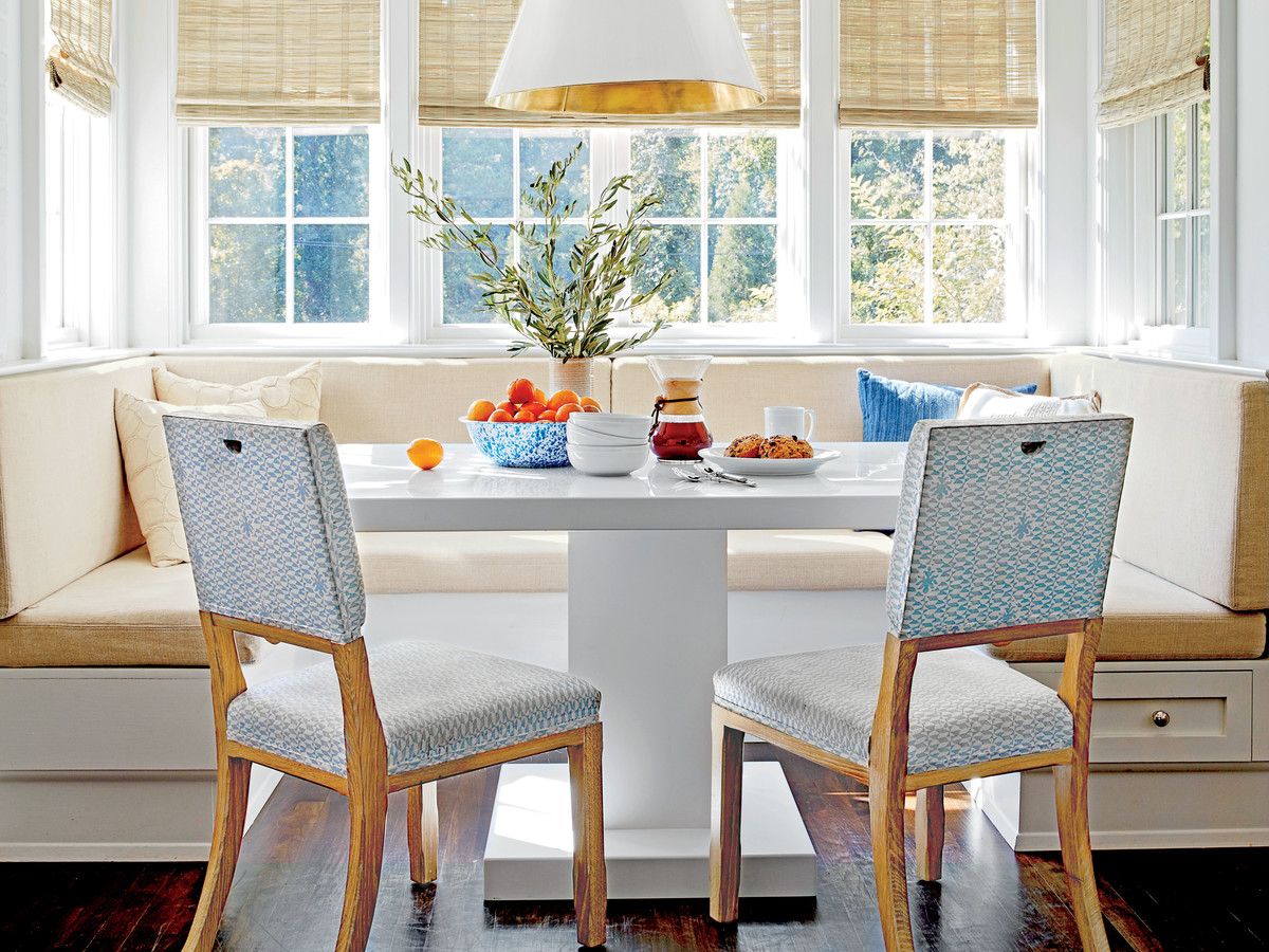 Kitchen banquette seating is trending for 2019 southern - Built in kitchen banquette designs ...