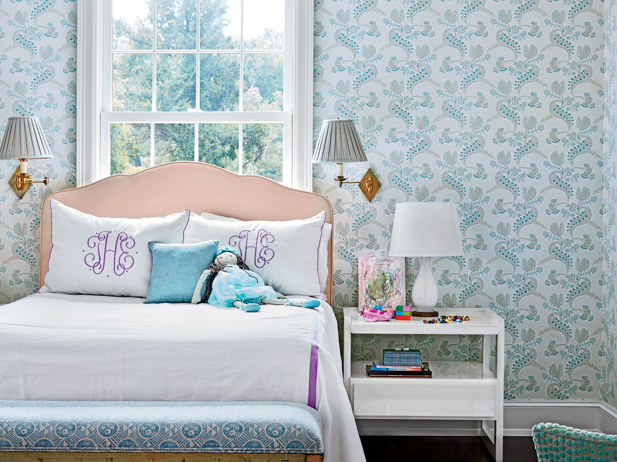 The Difference Between Full- and Queen-Beds