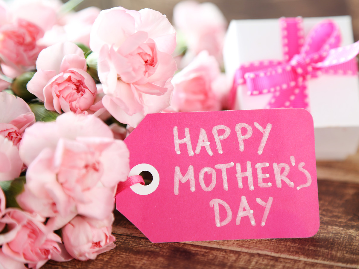 Happy Mother's Day Tag on Flowers