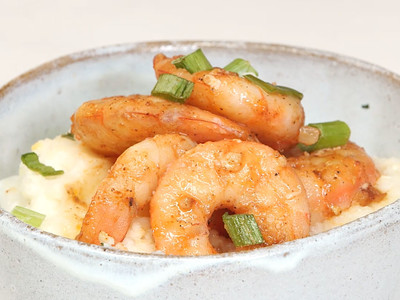 FoodDesk17Q1 Shrimp and Grits Bowl