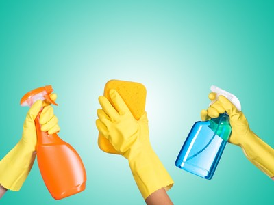 170609-housecleaners-cleaning-products