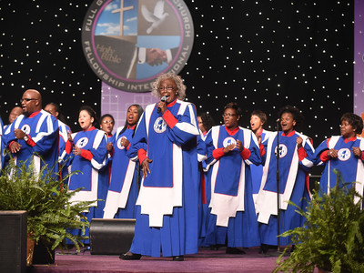Mississippi Mass Choir Featuring Mosie Burks