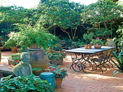 7 Backyard Makeover Tips