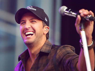 Luke Bryan country singer