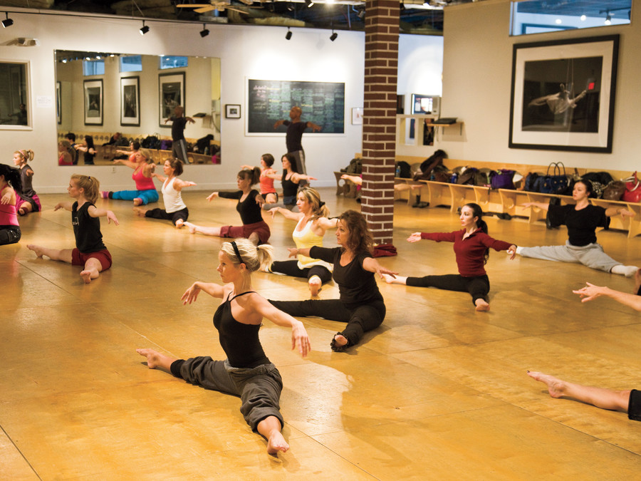 Fitness Dance Classes: Fun and Fit