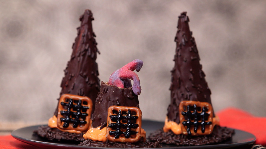 Witch Hat Cookie Cones