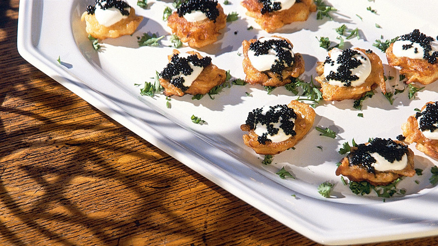 RX_1611_Party Potato_Potato Blini with Sour Cream and Caviar
