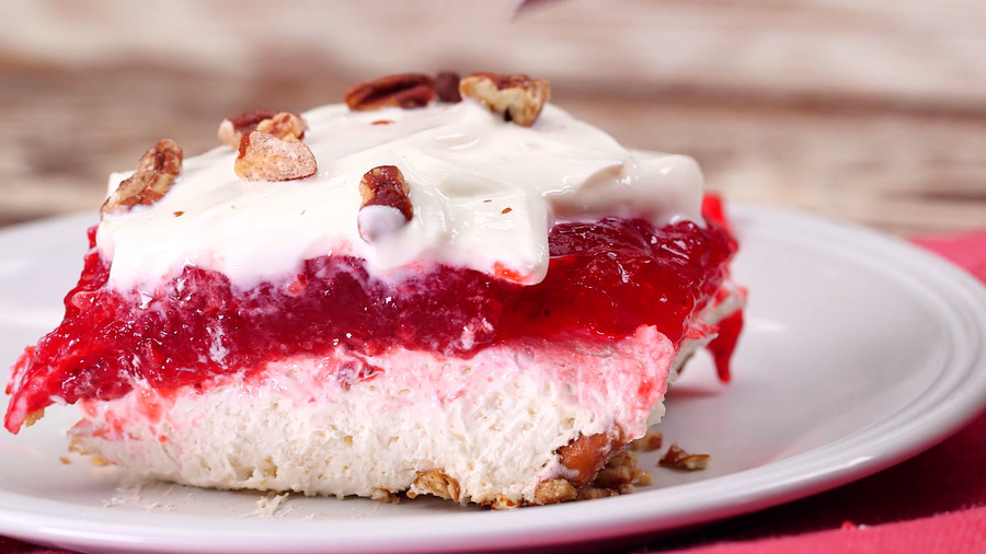 How To Make Strawberry Pretzel Salad Still