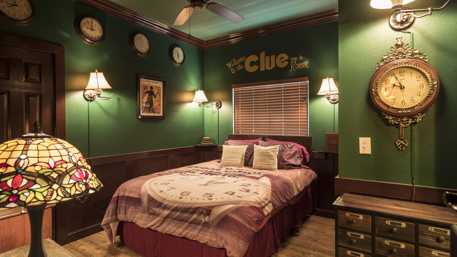 Southern Living Great Escape Lakeside Clue Bedroom