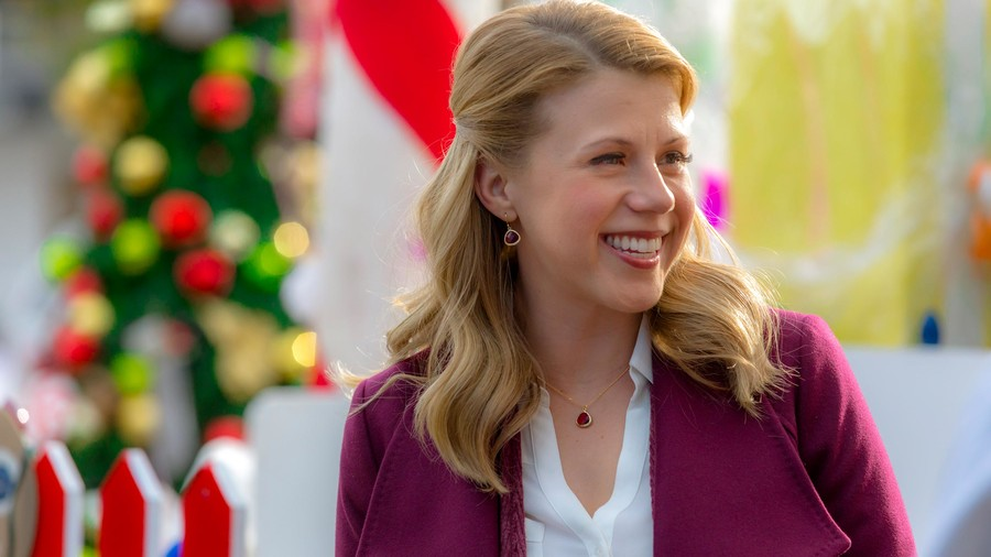 Entertaining Christmas (Dec. 15, 8 p.m. ET/PT on Hallmark Channel)
