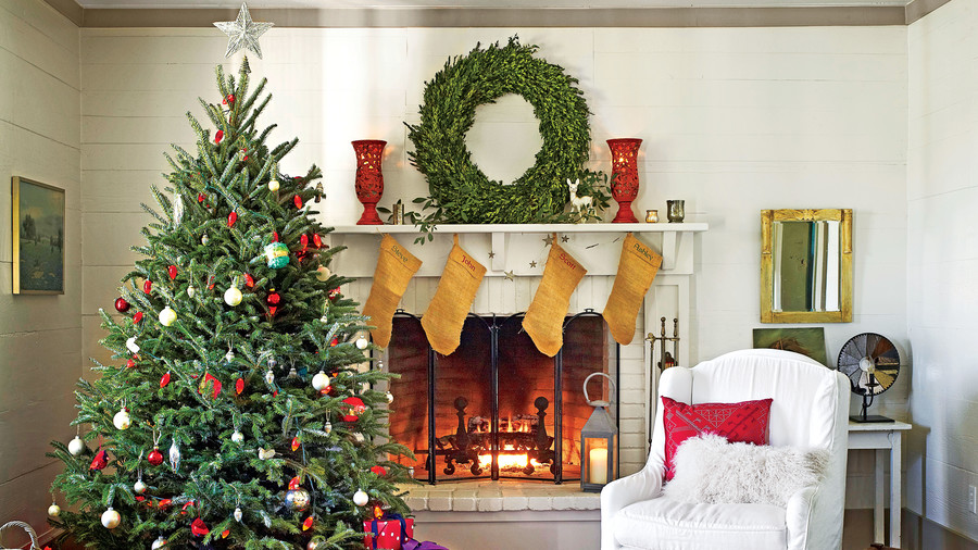 santa deserves a properly dressed mantel rh southernliving com christmas fireplace decorations ideas fireplace mantel christmas decorations pictures