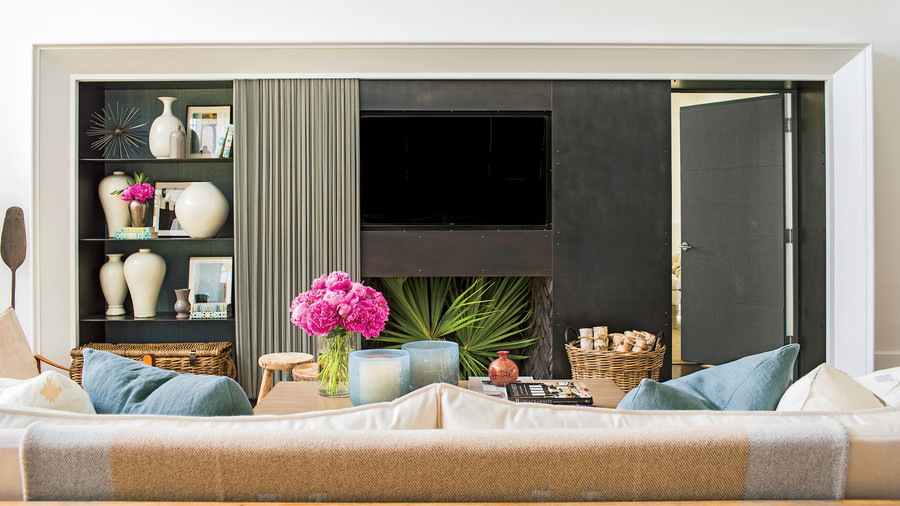 Living Room: The Decorating