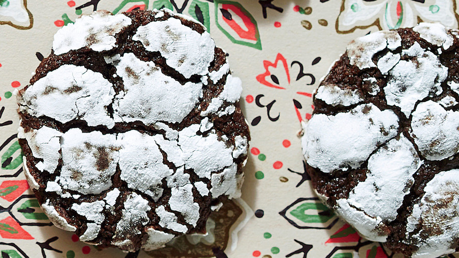 Chocolate-Peppermint Crackle Cookies