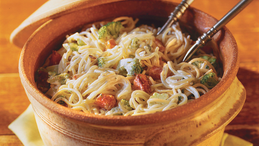 Quick and Easy Dinner Recipes: Ham-and-Broccoli Ranch Noodles
