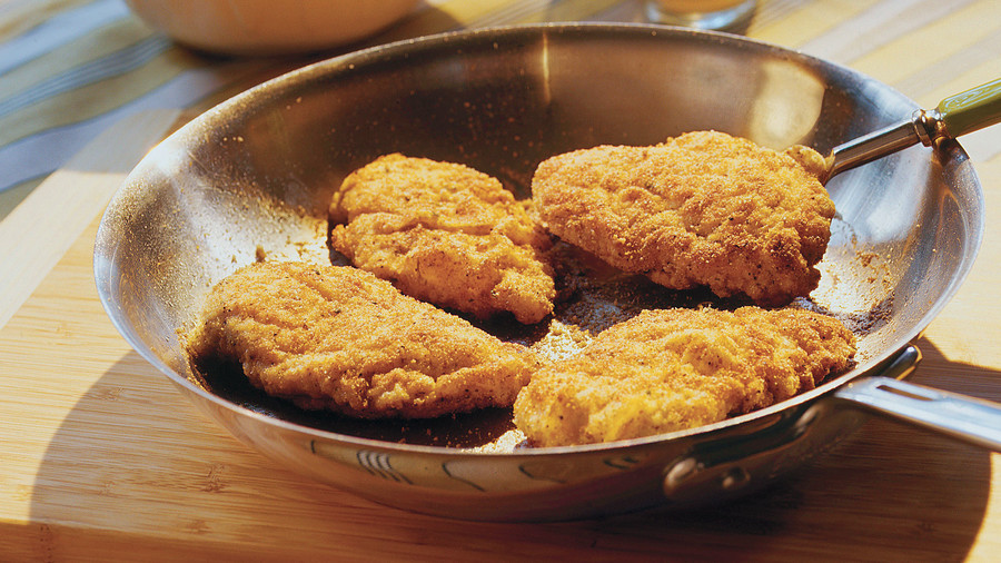 Quick and easy dinner recipes southern classics made simple quick and easy southern recipes crunchy pan fried chicken forumfinder Image collections