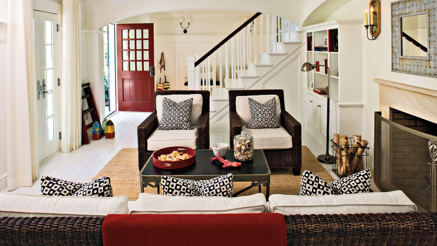 How To Decorate A Room With A Red Sofa