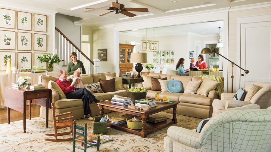 living room with family pictures