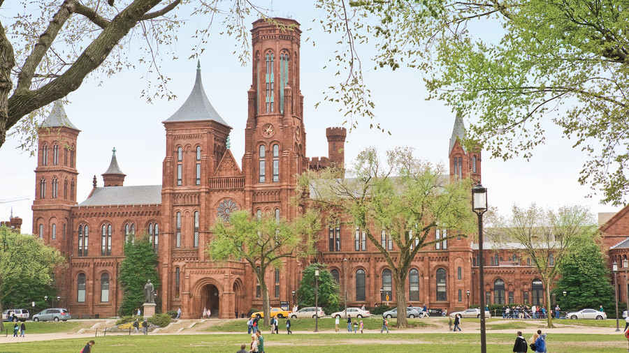 picture of the smithsonian exterior, washington dc